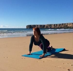 yoga-pa-stranden-portugal